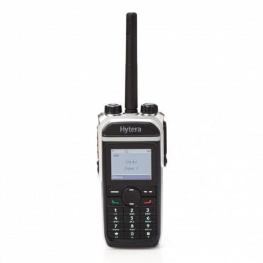 Vigicom® PMR-PTI/TELECOM: Portatif PD685GU HYTERA 1-4 watts. Avec clavier, option GPS et PTI et avec chargeur.